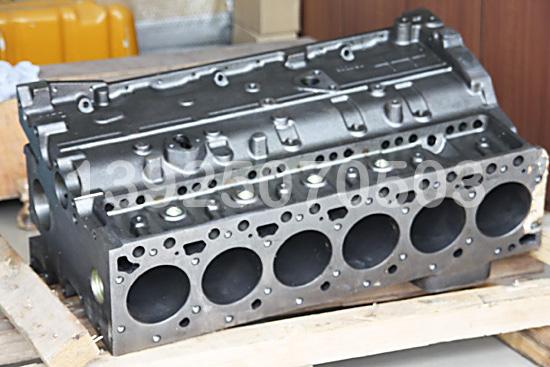 2发动机配件缸体图片