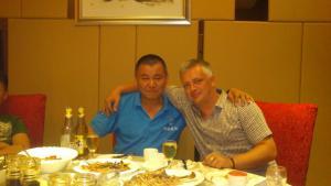 公司领导与俄罗斯客户共进晚餐
