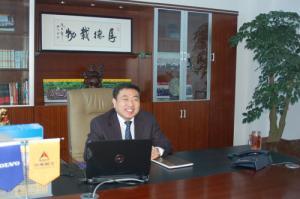 港沃集团董事长朱巍先生