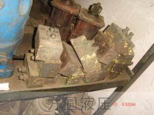 挖掘机吊车配件27