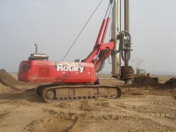 东方红旋挖钻机R260