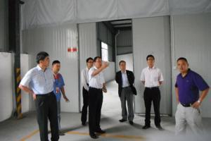 水谷董事长参观修理厂并指导工作