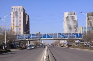 喜迎春大街过街天桥