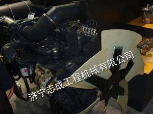 小松SAA6D114發動機